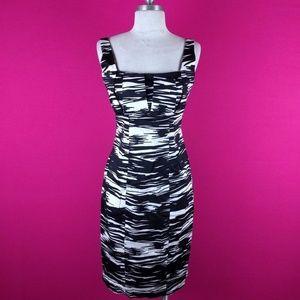 @ Calvin Klein sz 4 Black White Sheath Dress